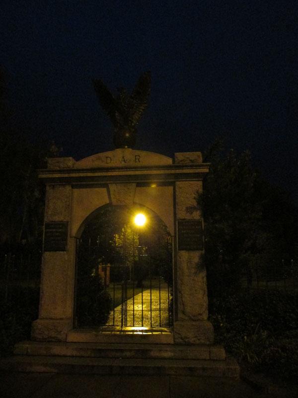 03_30_cemetery01