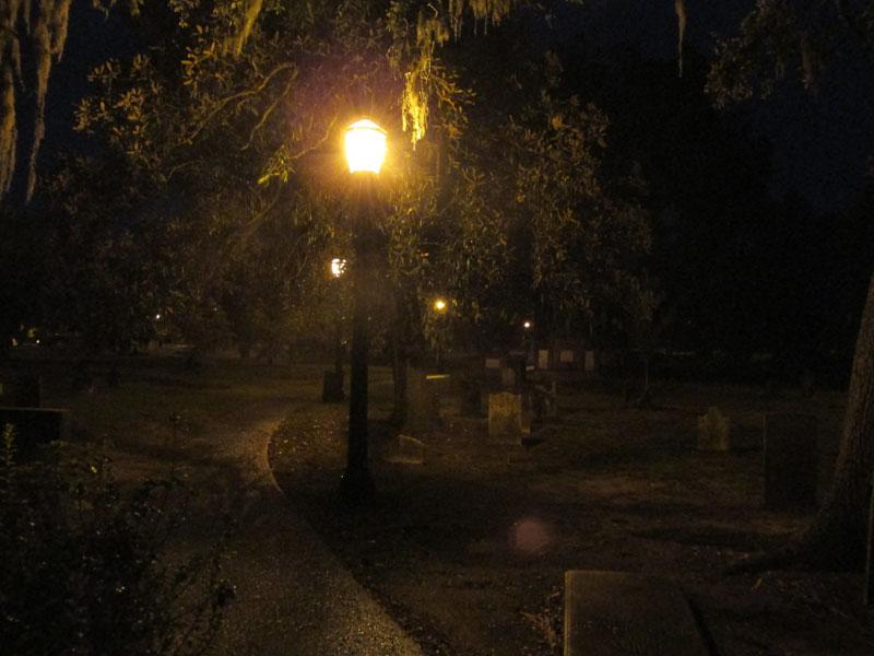 03_31_cemetery02