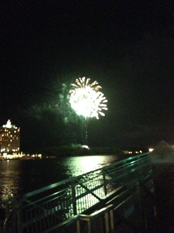 06_05_fireworks01
